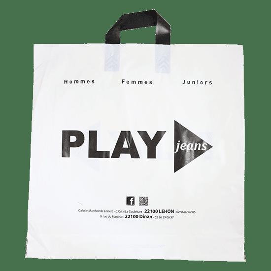 Sac plastique blanc avce logo boutique de vêtements