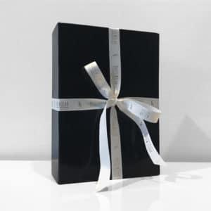 boite cadeau avec ruban personnalisé